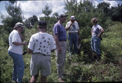 KCES-Insect plant walk, Pat Heithaus and group