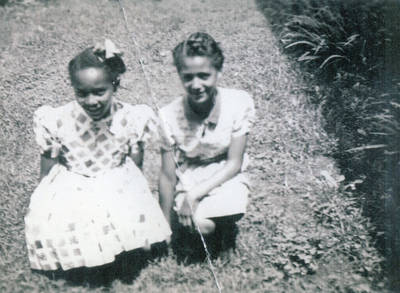Vera Payne and Oneida Fisher as children ca. 1936