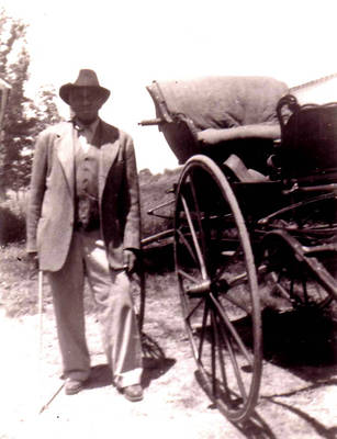 Gus Simmons and buggy ca. 1940