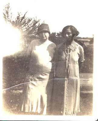 Elizabeth Borden and Mary Ralls ca. 1900