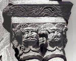 Eunate, Church of St. Mary, capital with grimacing leonine or feline faces, Romanesque, 12th century, Navarre, Spain
