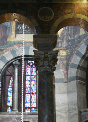 Aachen Cathedral, detail of capital from arcade