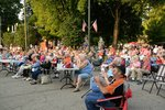 Community Applauds for Show during First Friday in Mount Vernon