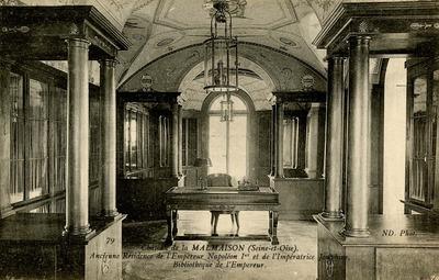 Chateau de la Malmaison - Bibliotheque de l'Empereur