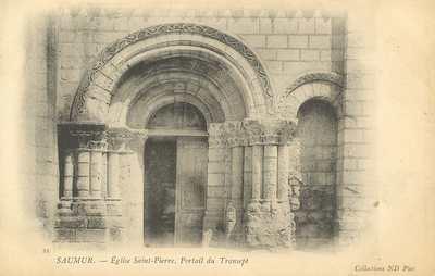 Église Saint-Pierre, Portail du Transept