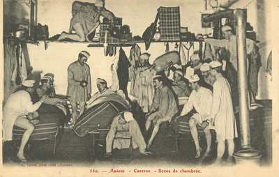 Caserne - Scène de chambrée