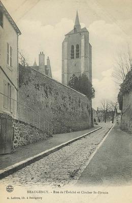 Rue de l'Eveche et Clocher St-Firmin
