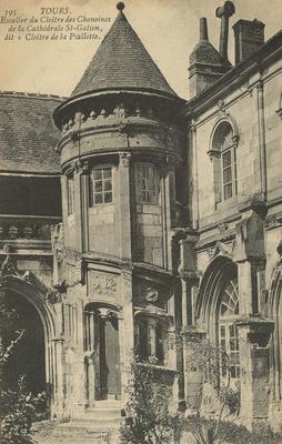 Escalier du Cloitre des Chanoines de la Cathedrale St-Gatien