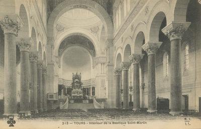 Interieur de la Basilique Saint-Martin
