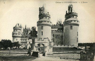 Château de Pierrefonds - L'Entree