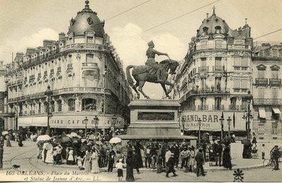 Place du Martroi et Statue de Jeanne d'Arc