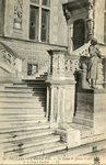 L'Hotel de Ville - La Statue de Jeanne d'Arc et le Grand Escalier