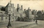 Palais de Fontainebleau - Facade sur la Cour des Adieux