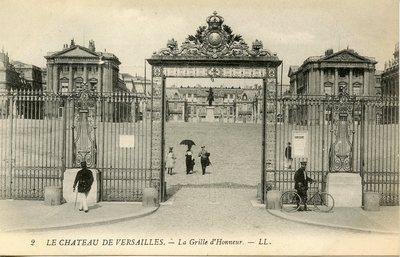 Versailles - Le Château - La Grille d'Honneur