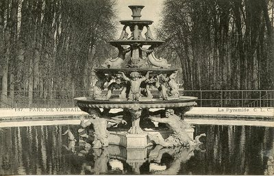 Versailles - Le Parc - La Pyramide