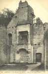 Le Château du Millieu - Ruines des Logis Royaux