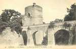 Le Château - La Tour du Courdy et les Douves