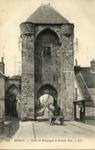 Porte de Bourgogne et Grande Rue.